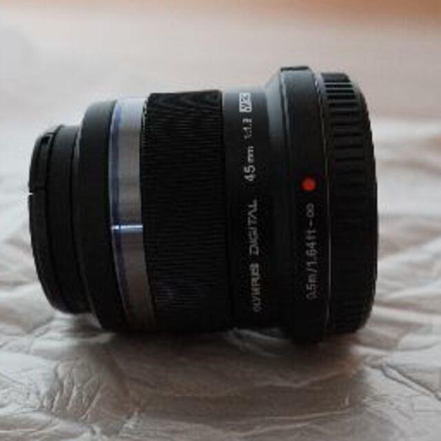 OLYMPUS(オリンパス)の【お盆値引き】OLYMPUS M.ZUIKO DIGITAL45mm F1.8 スマホ/家電/カメラのカメラ(レンズ(単焦点))の商品写真