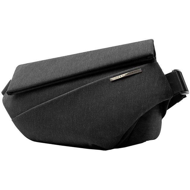 NIID URBANATURE R1 Sling Bag メテオライトブラック メンズのバッグ(メッセンジャーバッグ)の商品写真