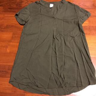 エイチアンドエム(H&M)のブラウス(シャツ/ブラウス(半袖/袖なし))