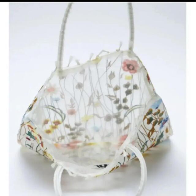 ZARA(ザラ)のZARA  フラワーエンブロイダリーチュールトートバッグ トート レディースのバッグ(トートバッグ)の商品写真