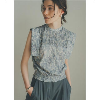 CLANE CHINTZ FLOWER SQUARE SLEEVE TOPS