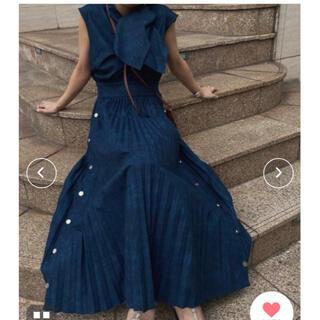 Ameri VINTAGE - Ameri vintage DENIM LIKE PLEATS DRESS