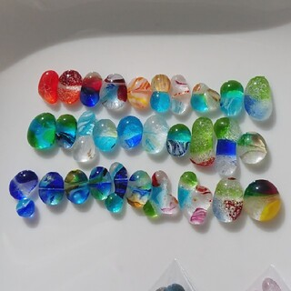 琉球ガラス ドロップス ナギット 30粒 約5㎜~2㎝ 大 くっつき 虹色 9