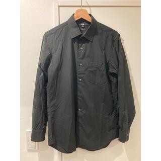 ユニクロ(UNIQLO)のユニクロ シャツ2枚 黒紺 サイズM(シャツ)