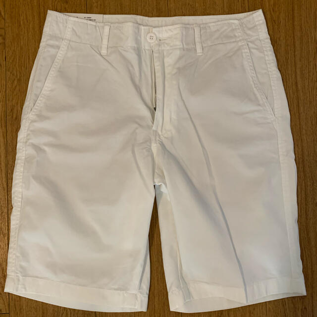 UNIQLO(ユニクロ)のユニクロ チノショートパンツ 白 メンズのパンツ(ショートパンツ)の商品写真