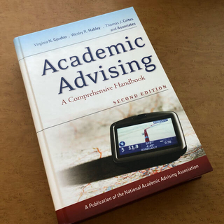 専門書/ Academic Advising : second edition
