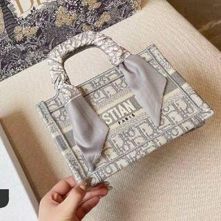 Dior - 新品刺繍Dior・ディオールショルダーバッグ