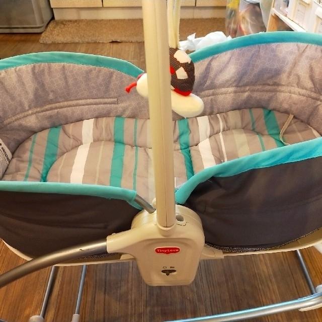 TINY Loveロッキングナッパー キッズ/ベビー/マタニティの寝具/家具(ベビーベッド)の商品写真