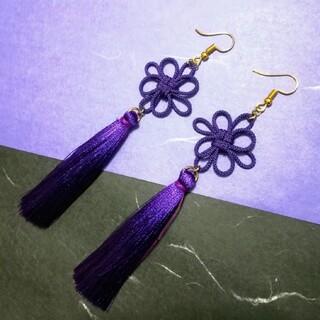 吉祥結びとタッセルのピアス(紫)(ピアス)