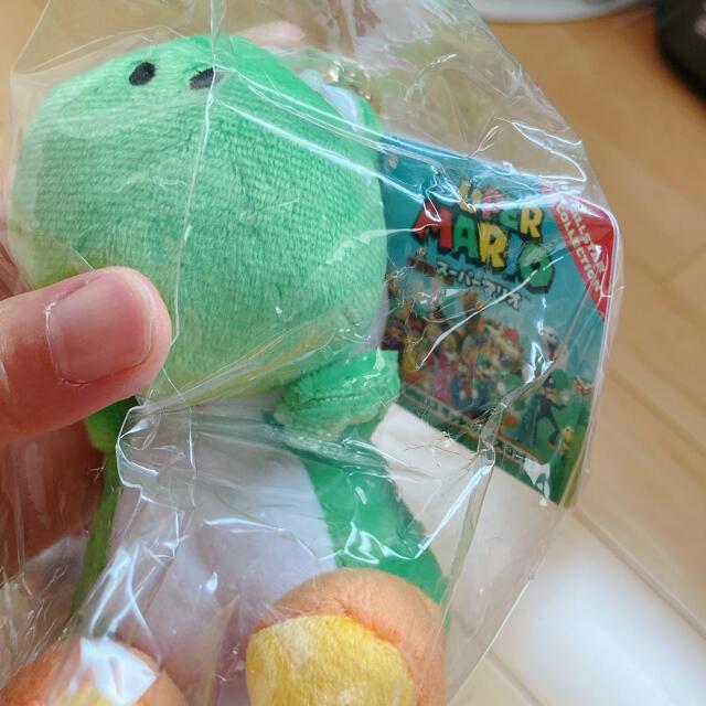 任天堂(ニンテンドウ)のマリオ ヨッシー キーチェーン エンタメ/ホビーのアニメグッズ(キーホルダー)の商品写真