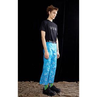 ジョンローレンスサリバン(JOHN LAWRENCE SULLIVAN)のYOIKADAKADA China Pants blue チャイナパンツ ブルー(スラックス)