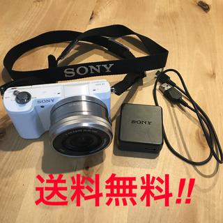 ソニー(SONY)の超美品!フリマ最安値!SONY a5000 レンズキット ホワイト 送料込み(ミラーレス一眼)