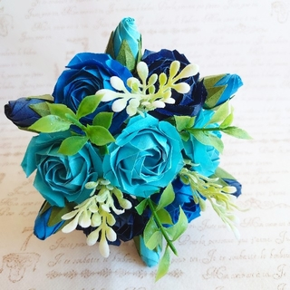 ブルー系丸薔薇のミニ花束 折り紙 薔薇(その他)