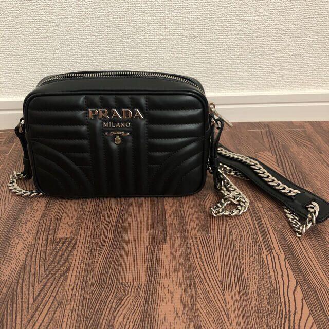 PRADA(プラダ)のプラダ ダイヤグラム チェーンショルダー レディースのバッグ(ショルダーバッグ)の商品写真