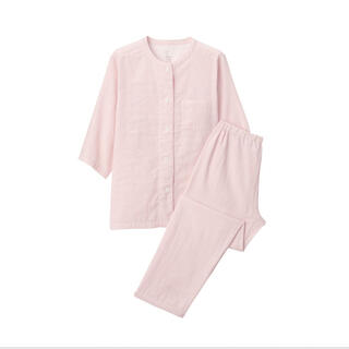 脇に縫い目のない 細番手二重ガーゼ七分袖パジャマ (パジャマ)