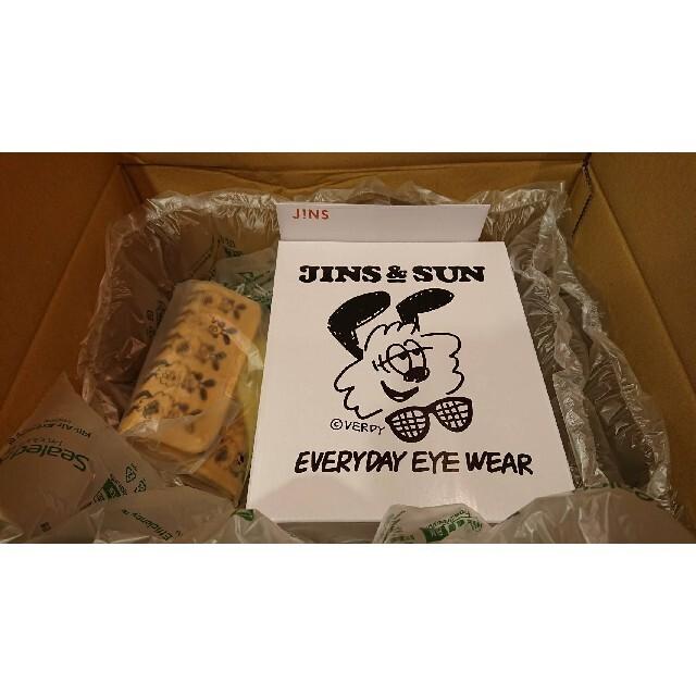JINS(ジンズ)のJINS&SUN×VERDY 限定アイウエアスタンドセット メンズのファッション小物(サングラス/メガネ)の商品写真