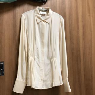 スリーワンフィリップリム(3.1 Phillip Lim)の新品 スリーワンフィリップリム シルク100% 淡いベージュのデザインブラウス(シャツ/ブラウス(長袖/七分))