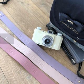 メゾンドフルール(Maison de FLEUR)のゆうこりん様専用です⭐︎メゾンドフルール ピンク ブランドロゴカメラストラップ(ネックストラップ)
