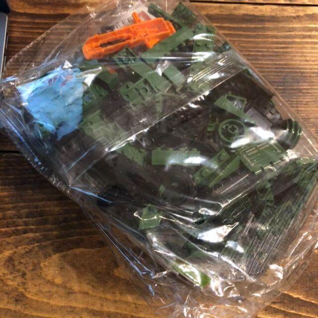 【レゴ互換】ハマー軽装甲車 模型 ミニフィグ ミリタリーブロック エンタメ/ホビーのミリタリー(カスタムパーツ)の商品写真