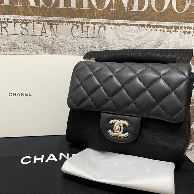 CHANEL(シャネル)のシャネル♡ミニフラップバック♡シャネルマトラッセ レディースのバッグ(ショルダーバッグ)の商品写真