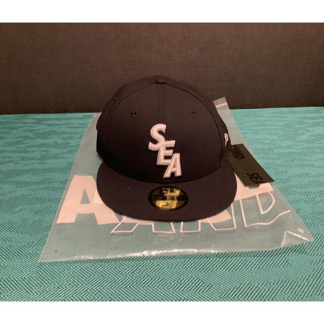 NEW ERA(ニューエラー)のNEW ERA × WIND AND SEA CAP NAVY 7 3/8 メンズの帽子(キャップ)の商品写真