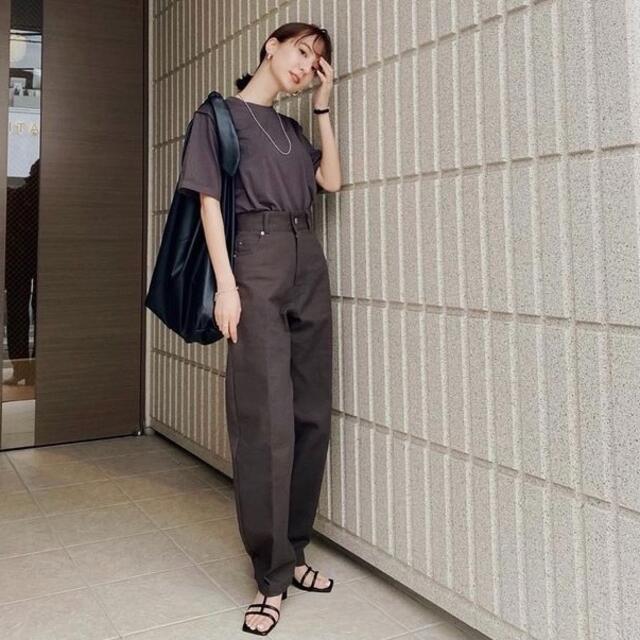 新品タグ付き louren ローレン ハイウエストデニムパンツ レディースのパンツ(デニム/ジーンズ)の商品写真