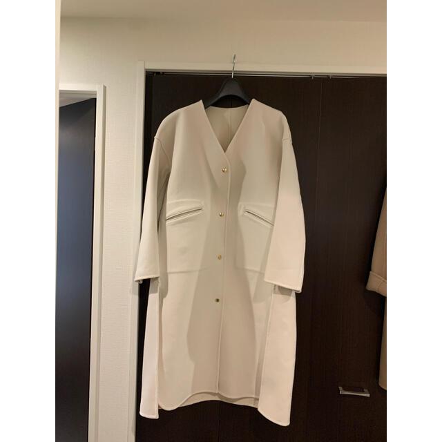 Drawer(ドゥロワー)の専用です。ドゥロワー Vネック アイボリー コート 34 極美品 即完売 レディースのジャケット/アウター(ロングコート)の商品写真