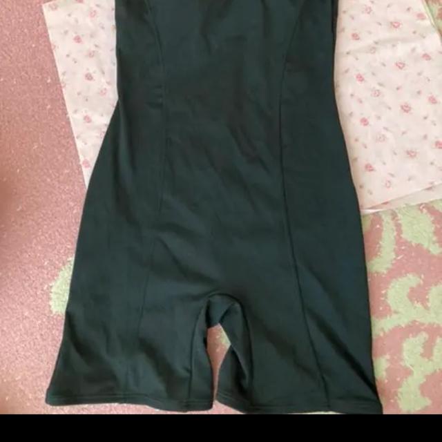 ワンピース 水着 ブラック 黒 レディースの水着/浴衣(水着)の商品写真