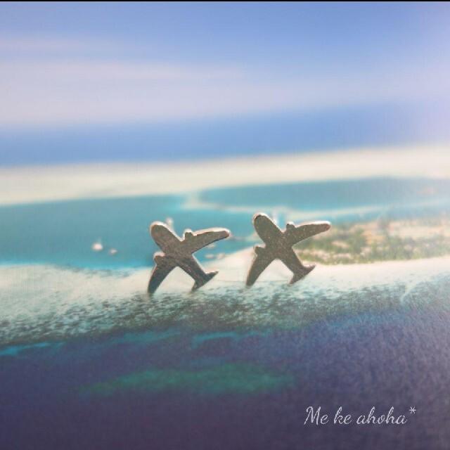 ё 飛行機  ピアス イヤリング シルバー 空 旅行 ハンドメイドのアクセサリー(ピアス)の商品写真