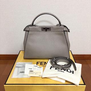 FENDI - クーポン限定価格!FENDI ピーカブー コルダ レギュラー