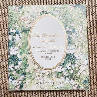Les Merveilleuses LADUREE - 【未使用】レ・メルヴェイユーズ ラデュレ ローズ エッセンス マスク パック