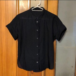ユニクロ(UNIQLO)のトップス(シャツ/ブラウス(半袖/袖なし))