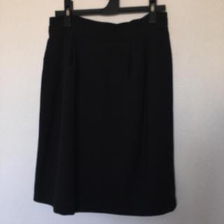 プーラフリーム(pour la frime)のブラック 膝丈スカート(ひざ丈スカート)