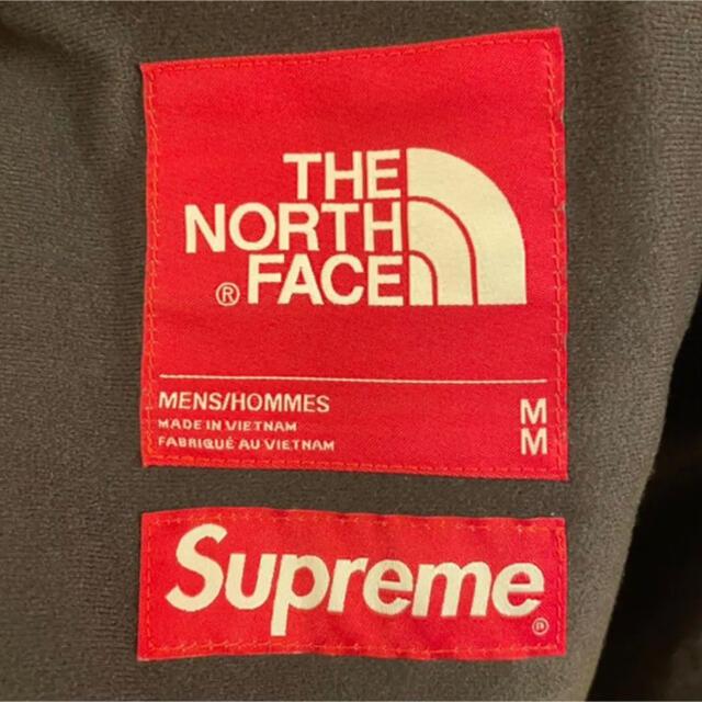 Supreme(シュプリーム)のMMM3様専用です メンズのジャケット/アウター(マウンテンパーカー)の商品写真