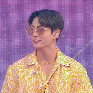 FENDI - 【全国完売】BTS グク着 FENDI シルクシャツ 黄色 42