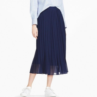 UNIQLO - ユニクロ ハイウエストシフォンプリーツスカート Sサイズ ネイビー 丈標準
