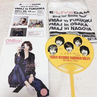 SHINee掲載雑誌+タワレコうちわ+VMAJグッズ