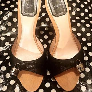 ディオール(Dior)の【セール】ディオール  ウッドサンダル  ミュール ロゴ刻印南京錠 黒革 美品(サンダル)
