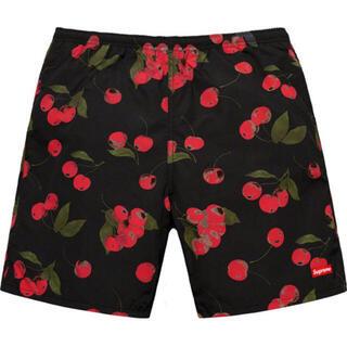 シュプリーム(Supreme)のsupreme cherry water shorts(水着)