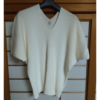 UNIQLO - ユニクロ 3DコットンプリーツVネックセーター 5部袖 白 XL
