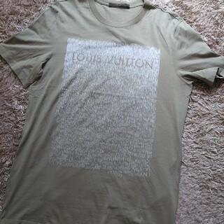 ルイヴィトン(LOUIS VUITTON)のLOUIS VUITTON ロゴ入り Tシャツ Mサイズ 美品 カーキ(Tシャツ/カットソー(半袖/袖なし))