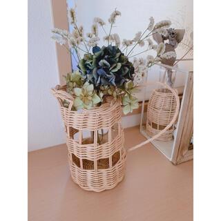 コーヒー染めの籐の籠にドライフラワーのスワッグ  紫陽花(ドライフラワー)