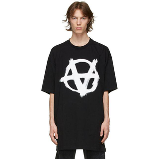 Balenciaga - VETEMENTS ヴェトモン Anarchy Logo Tシャツ