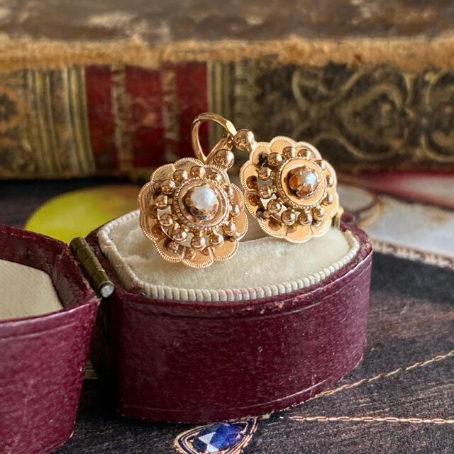 フランス アンティーク ドルムーズピアス 18金 天然真珠 鷲の頭の刻印 レディースのアクセサリー(ピアス)の商品写真
