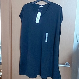GU - 新品 X  GU  Vネック チュニック Tシャツ (黒)