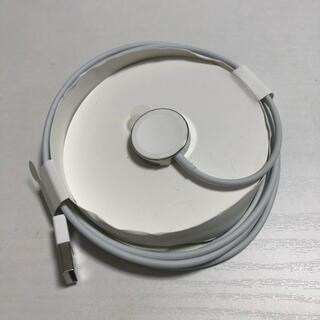 アップルウォッチ(Apple Watch)の美品 純正アップルウォッチ充電器(バッテリー/充電器)