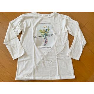 シマムラ(しまむら)のしまむら プリント長袖Tシャツ 白トップス バックロゴプリント(Tシャツ/カットソー(七分/長袖))