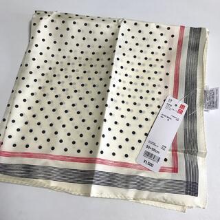 ユニクロ(UNIQLO)の新品タグ付き ユニクロ イネス シルクプリントスカーフ(バンダナ/スカーフ)