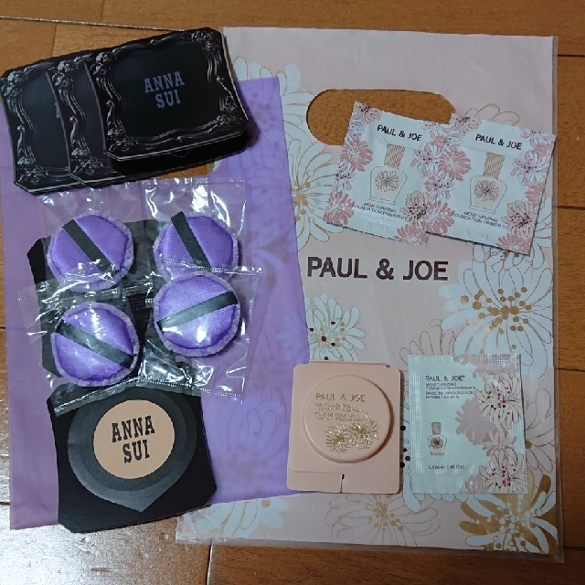 PAUL & JOE(ポールアンドジョー)の値下 サンプル アナスイシルキーパウダーファンデーション、ポール&ジョー コスメ/美容のキット/セット(サンプル/トライアルキット)の商品写真