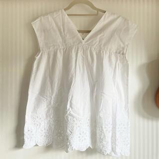 ユニクロ(UNIQLO)のユニクロ お花刺繍ブラウス(シャツ/ブラウス(半袖/袖なし))